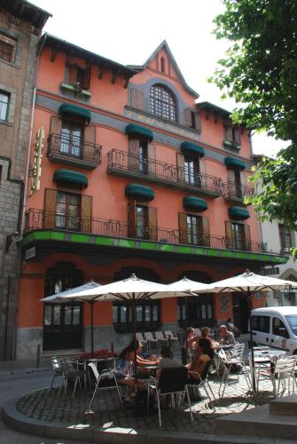Hotel Pictures: , Camprodon