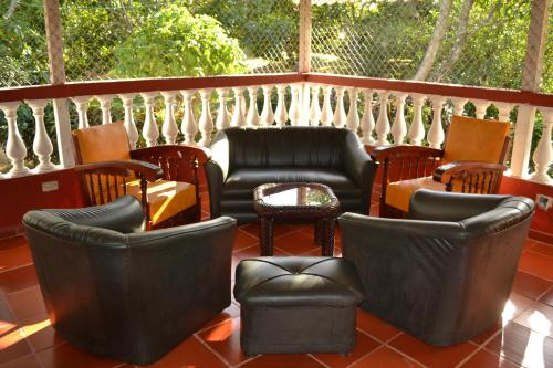 Hotel Pictures: Hostel La Milagrosa, Bonda