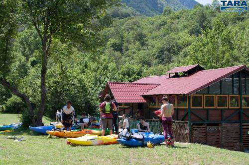 "Фотографии отеля: Rafting Center ""TARA-RAFT"", Bastasi"