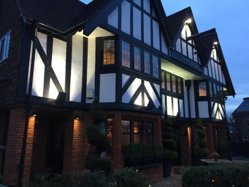 Hotel Pictures: , Leatherhead