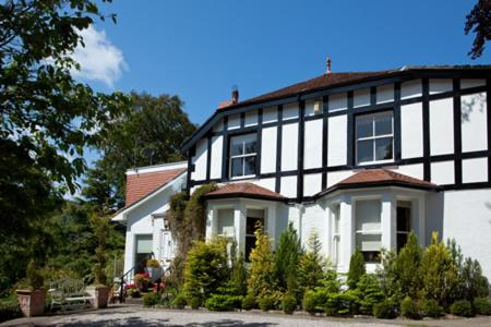 Hotel Pictures: Tir y Coed Country House, Conwy