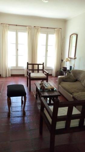 酒店图片: Casa en Barrio Parque Alejandra, 内科切阿