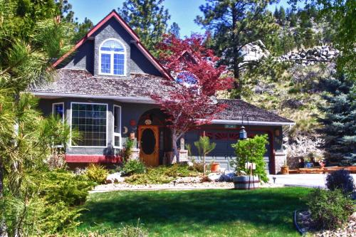 Hotel Pictures: Skaha Views Guest Suite, Okanagan Falls