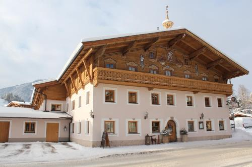 Foto Hotel: Gasthaus Auwirt, Fieberbrunn