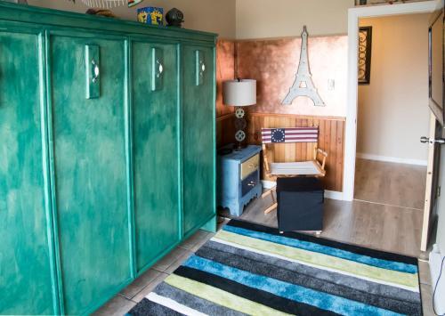 Hotel Pictures: Inner Harbor Inn, Shelburne