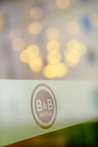 Hotel Pictures: B&B Hôtel SACLAY, Saclay