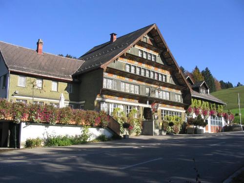 Hotel Pictures: Landgasthof Rössli / Grubenmann Gastro GmbH, Sankt Peterzell