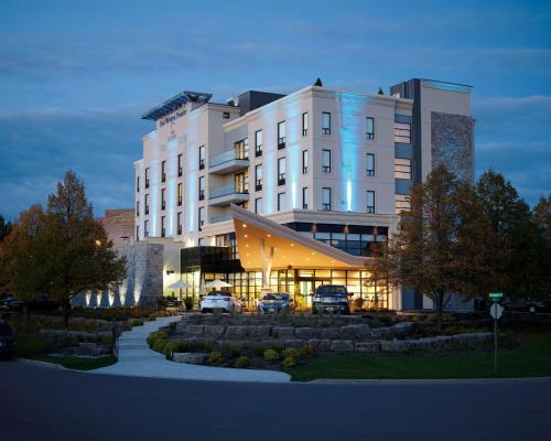 Hotel Pictures: Best Western Premier C Hotel by Carmen's, Hamilton