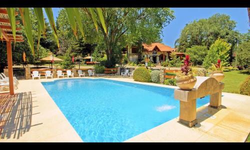 Hotel Pictures: Blumenau, Villa General Belgrano