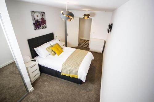 Hotel Pictures: Empire Apartments, Bradford