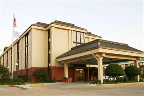 Hampton Inn Dallas-North-I-35E At Walnut Hill