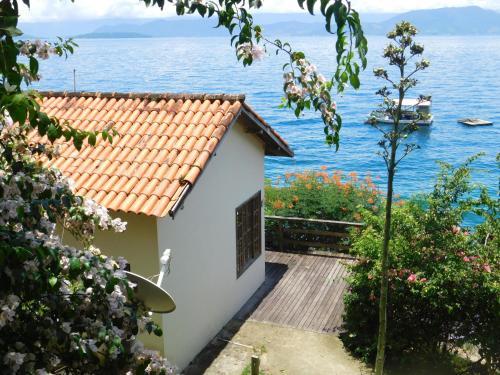 Hotel Pictures: Pousada Nautilus Ilha Grande, Praia de Araçatiba