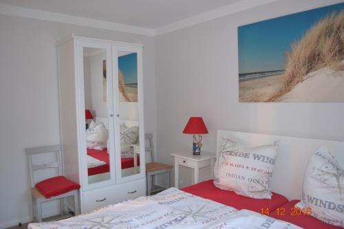 Hotel Pictures: Hus Seeblick, Puttgarden