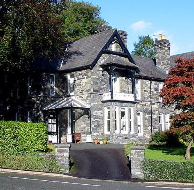 Hotel Pictures: Mary's Court Apartment, Betws-y-coed