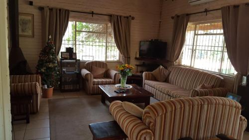 Hotel Pictures: Gaborone North Guest House, Gaborone