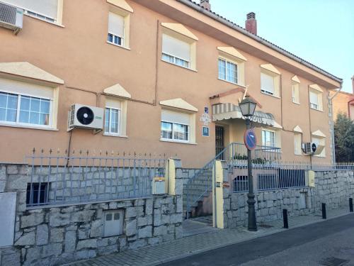 Hotel Pictures: , Villanueva de la Cañada