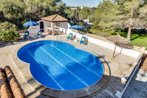 Hotel Pictures: Villa Lombardia, Cala Murada