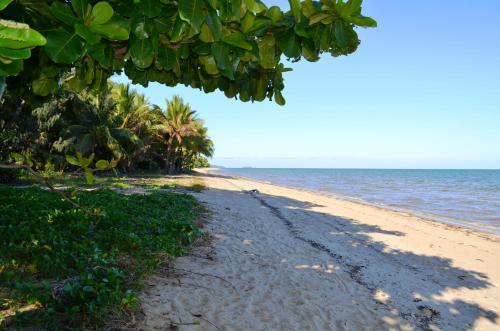 Fotos do Hotel: Kurrimine Beach Huts, Kurrimine Beach