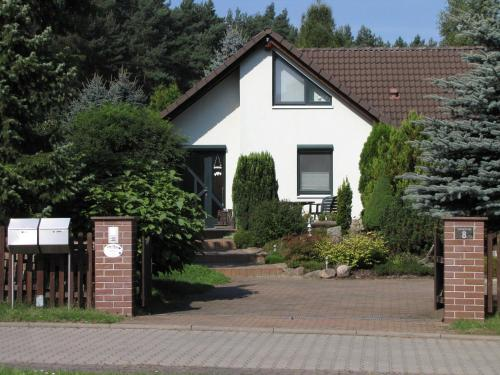Hotel Pictures: Holiday home Luthers Landhaus, Coswig