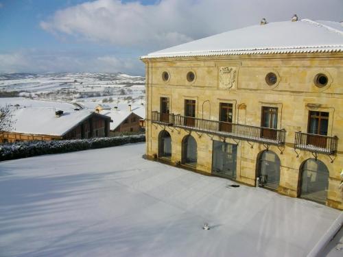 Hotel Pictures: , Argómaniz