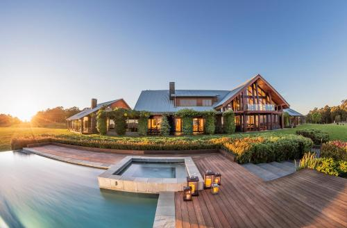 Hotellikuvia: Spicers Peak Lodge, Maryvale