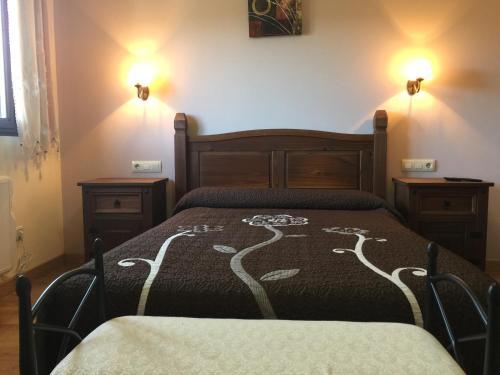 Hotel Pictures: Apartamentos Sanabria, Galende