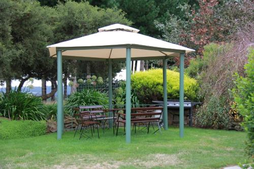 Hotel Pictures: Sherwood View Accommodation, Latrobe