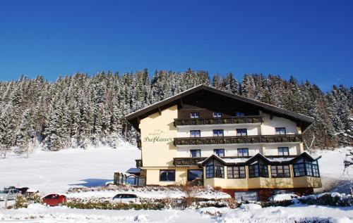 Hotel Pictures: Berghotel Presslauer, Jenig