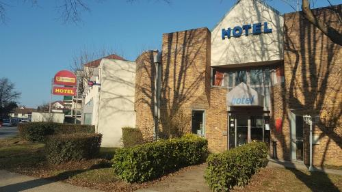 Hotel Pictures: Balladins Torcy, Torcy