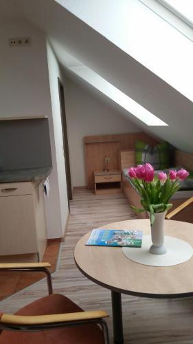 Hotel Pictures: Apartmenthaus Zwenkau, Zwenkau
