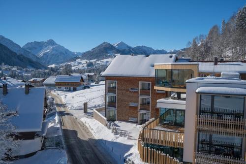 Hotel Pictures: Genuss- & Aktivhotel Sonnenburg, Riezlern