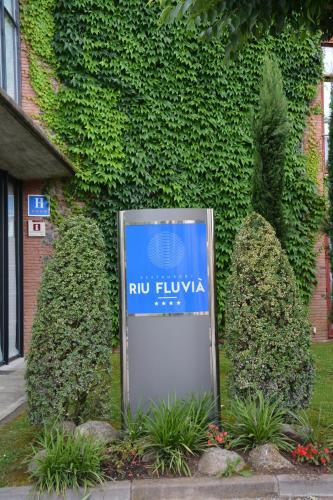 Hotel Pictures: Hotel Riu Fluviá, Olot