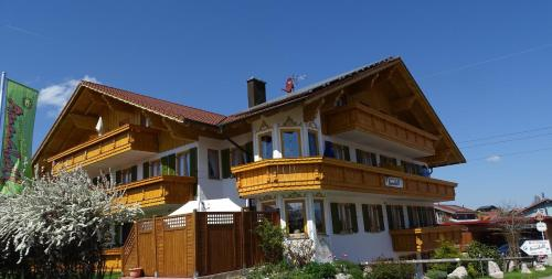 Hotel Pictures: Gästehaus Annabell, Nesselwang