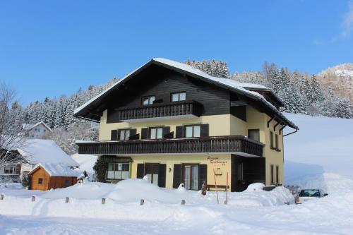 Hotelbilleder: Pension Speckmoser, Bad Mitterndorf