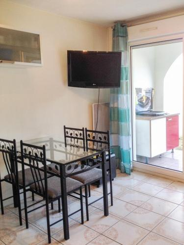 Hotel Pictures: Apartment Chemin d'Aguerria, Guéthary