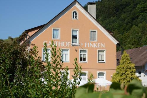 Hotel Pictures: Gasthaus Finken, Oppenau
