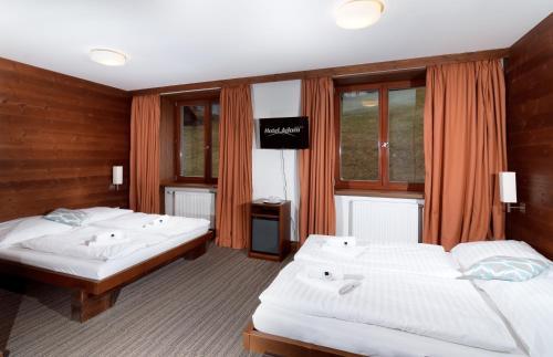 Hotel Pictures: Hotel Adam, Špindlerův Mlýn