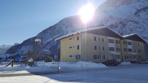Hotelbilleder: Ferienwohnung Krippensteinblick, Bad Goisern