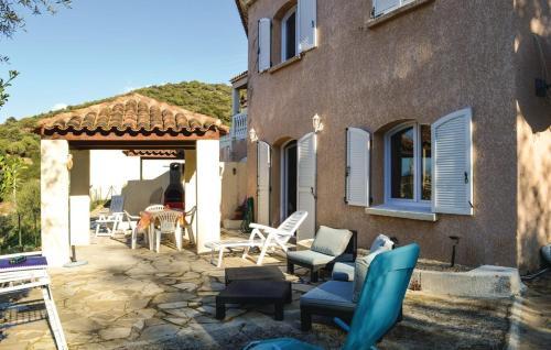 Hotel Pictures: One-Bedroom Apartment in Tiuccia, Tiuccia