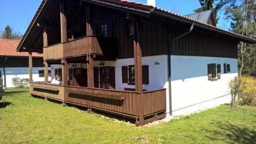 Hotel Pictures: Ferienhaus Pappenheimer, Regen