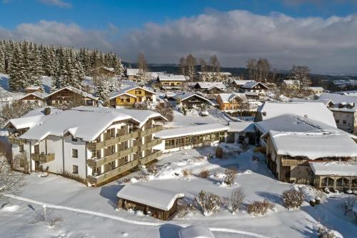 Hotel Pictures: Hotel zur Post, Langdorf