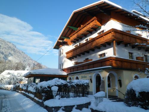 ホテル写真: Pension Grünauhof, Grünau im Almtal