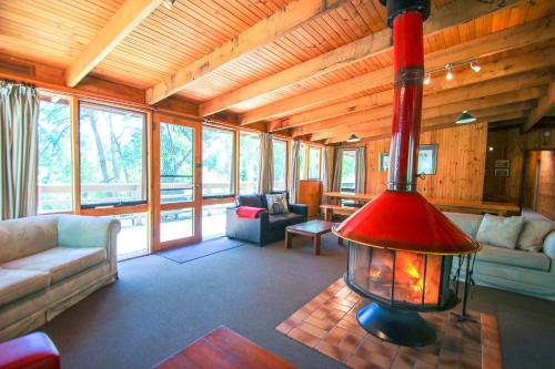 Hotel Pictures: Sambar Lodge, Harrietville