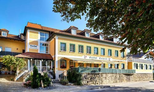Hotel Pictures: Gasthof Escherich, Büchlberg