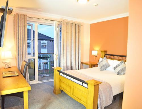 Hotel Pictures: Dovedale Hotel and Restaurant, Cleethorpes