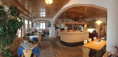酒店图片: Wirtshaus zum Wiesejaggl, Kaunerberg