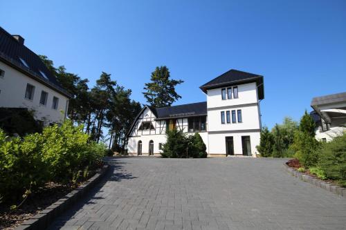 Hotel Pictures: Röblinseeterrassen, Fürstenberg-Havel