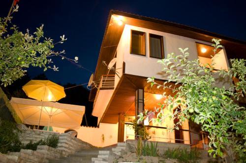 Fotos do Hotel: Villa Lily, Rogachevo