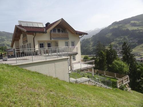 ホテル写真: Apartment-Schöser, Hippach