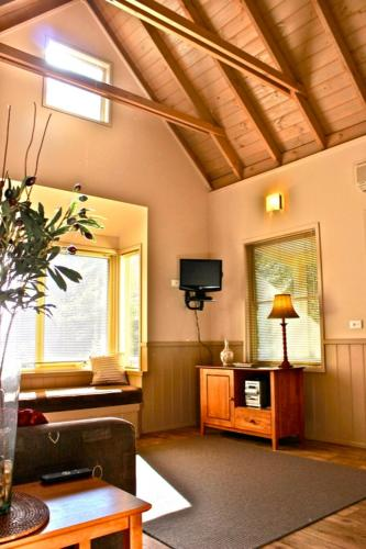 Foto Hotel: Autumn Leaf Cottage 1, Harrietville